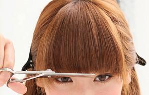 丸顔で大きい顔の人でもチョット小顔に見えちゃう!前髪の髪型カタログ。
