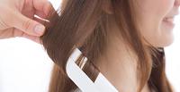 初心者でも簡単にできるヘアアイロンの巻き方、使い方講座です。
