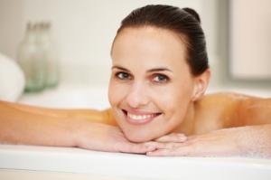手足の冷え性の原因を改善!効果のある入浴剤はアロマの香りでリラックス!