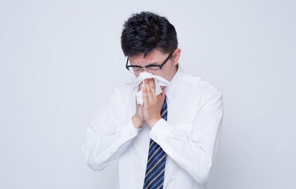 花粉症対策グッズで効果が一番の携帯用スプレー!鼻水の症状を改善